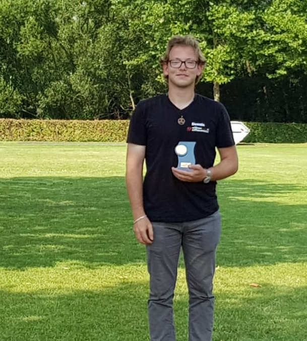 Dennis Veselka holt in der Klasse Shorty für SV Diestedde den 1. Platz beim 9. Rietberger Emsturnier